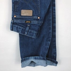 Vintage • Wrangler High Waisted Jeans